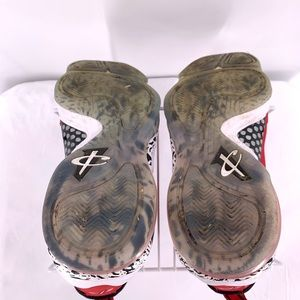 Nike Shoes - Nike Cavaliers Kids Basketball Shoes Size 5.5y